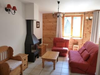 Cozy 3 bedroom Condo in La Grave with DVD Player - La Grave vacation rentals