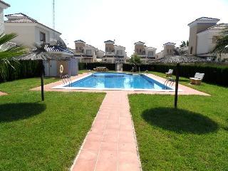 Perfect 2 bedroom Guardamar del Segura Villa with Washing Machine - Guardamar del Segura vacation rentals