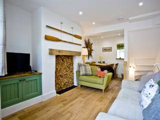 Florence Cottage located in Teignmouth, Devon - Teignmouth vacation rentals