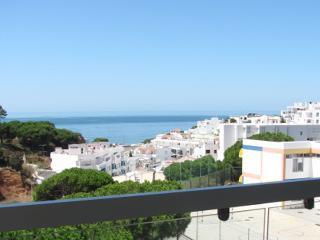 Sea View 2Bed Apartment - Centre of Olhos d'Água-I - Olhos de Agua vacation rentals