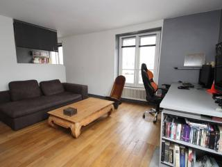 Lovely Condo with Internet Access and Television - Paris vacation rentals