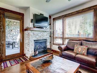 Spacious yes 2 Bedroom Condo - B411 - Breckenridge vacation rentals