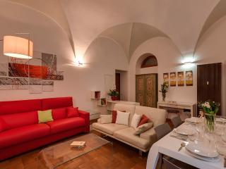 Charming Condo with Internet Access and A/C - Rome vacation rentals