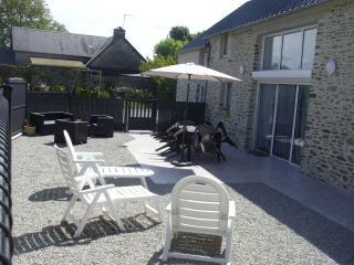 Gîte spacieux, adapté aux personnes handicapées - Hauteville-sur-Mer vacation rentals