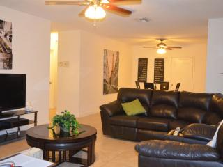 (Mila) Cozy and  Large 2 Bedrooms/2Bathrooms - Dania Beach vacation rentals
