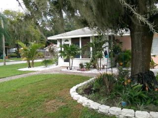 3 bedroom Cottage with Internet Access in Palmetto - Palmetto vacation rentals