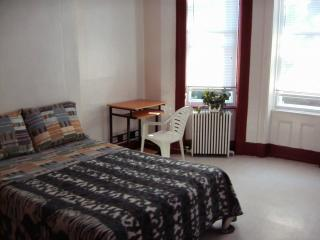Rooms for rent in great Queens location - Woodhaven vacation rentals