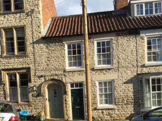17 Hallgarth. Grade II listed cottage with garden - Pickering vacation rentals