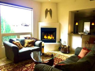 Lovely House with Internet Access and A/C in Santa Fe - Santa Fe vacation rentals