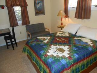 Romantic 1 bedroom Spruce Creek Guest house with Deck - Spruce Creek vacation rentals