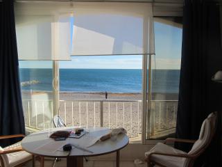 Appart sur plage Sete 5 à 7 pers avec garage privé - Frontignan vacation rentals