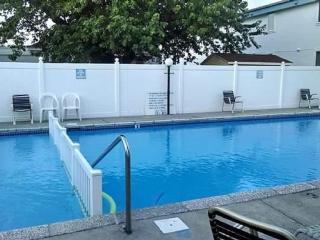 Sandpebble Condo - 2BR/1BA with Pool - 2.5 blocks - Wildwood Crest vacation rentals