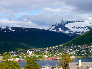 Bed and waffles city view with two beds - Tromsø  vacation rentals