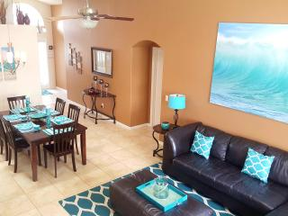 5 miles Disney-4br/3ba Pool Villa, 2 master suites - Four Corners vacation rentals