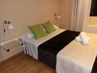 Cozy Condo with Internet Access and A/C - Sueca vacation rentals