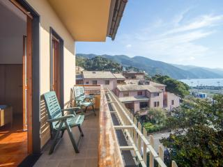 MONTEROSSO MARE 1 FLATS SECOND & THIRD FLOOR - Monterosso al Mare vacation rentals