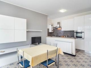 SESTRI LEVANTE NICE&QUIETE ONE BEDROOM APARTMENT - Sestri Levante vacation rentals