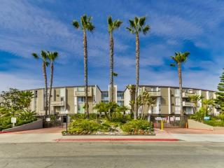 Best Location 2BD Townhome Near Seaworld and Beach - Pacific Beach vacation rentals