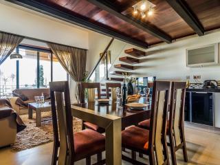 5* Mar Da Luz Apartment with hot tub and sea view - Luz vacation rentals