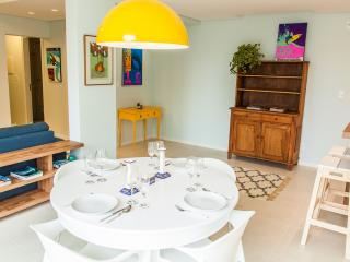 Colorful 2 Bedroom Apartment Nestled in Lagoa - Florianopolis vacation rentals