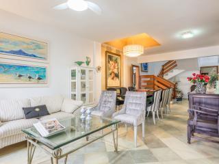 Comfortable 4 Bedroom Home Just Outside Florianópolis - Ponta das Canas vacation rentals