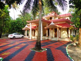 Wonderful 3 bedroom Mararikulam Bed and Breakfast with Internet Access - Mararikulam vacation rentals