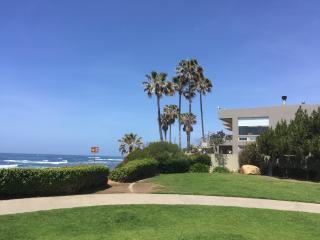 Ocean-front in La Jolla's exclusive Bird Rock area - La Jolla vacation rentals