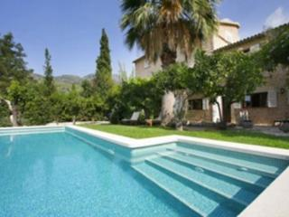 Beautiful Villa with Internet Access and Washing Machine - Biniaraix vacation rentals