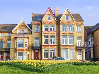 RATHMINES large seafront Victorian terrace, en-suites, garden, WiFi in Rhyl Ref 917519 - Rhyl vacation rentals