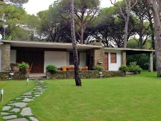 6 bedroom House with Internet Access in Pian di Rocca - Pian di Rocca vacation rentals
