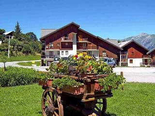 Comfortable Condo with Short Breaks Allowed and Long Term Rentals Allowed - Les Bottieres vacation rentals