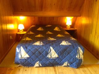 Nice Chalet with Housekeeping Included and Television - Poses vacation rentals