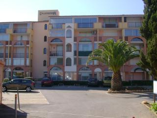 Nice Condo with Television and Microwave - Cap-d'Agde vacation rentals