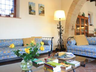Bright, spacious villa with pool near Siena - Siena vacation rentals