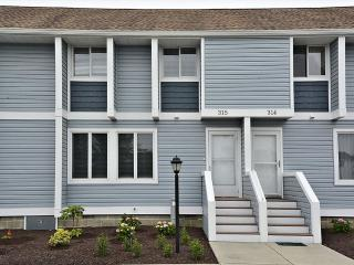 """Hidden Harbor"" townhouse with community pool and tennis. Only 3 blocks to the beach! - Bethany Beach vacation rentals"