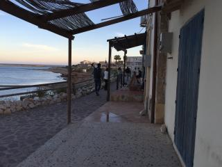 MONOLOCALE  A PORTOPALO  2 + 1 POSTI 1 BAGNO - Portopalo di Capo Passero vacation rentals