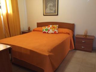 BILOCALE A PORTOPALO FAMIGLIARE 4 POSTI 1 BAGNO - Portopalo di Capo Passero vacation rentals