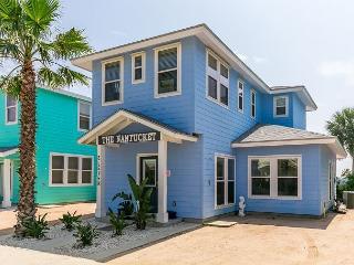 Nantucket-Inspired Port A House - 2 Minutes to the Beach - Sleeps 10 - Port Aransas vacation rentals