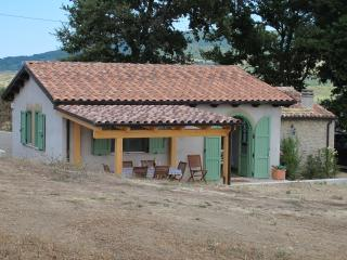 2 bedroom tranquil country view villa in Abruzzo - Palmoli vacation rentals