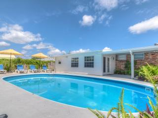 Comfortable House with Deck and Internet Access - Palm Beach Gardens vacation rentals