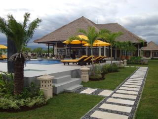 Villa Pelangi directly on the beach of Bali - Temukus vacation rentals