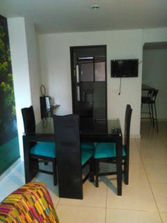 APARTAMENTO AMOBLADO EN LAURELES MEDELLIN 202 - Medellin vacation rentals