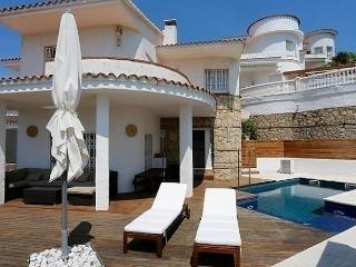 PLAYA CRISTAL I - Miami Platja vacation rentals