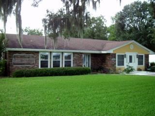 Bright 4 bedroom House in Live Oak - Live Oak vacation rentals