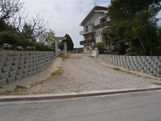 Nice B&B with Linens Provided and Water Views - Monteprandone vacation rentals