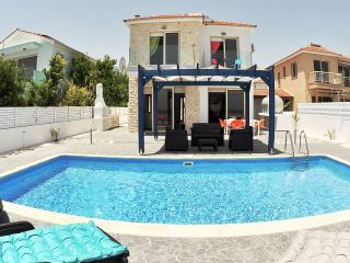 Lovely Villa with Internet Access and Dishwasher - Mazotos vacation rentals