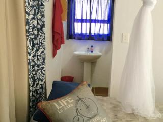 Charming 1 bedroom Napier House with Parking - Napier vacation rentals