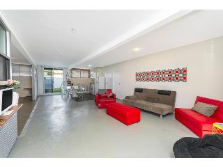 Funky, Renovated Massive Apartment - Close to city - Brisbane vacation rentals