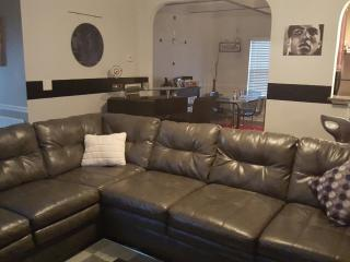 Convenient 4 bedroom House in Atlanta with Internet Access - Atlanta vacation rentals