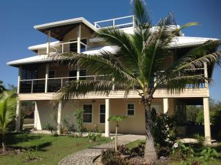 2 bedroom Condo with Internet Access in Utila - Utila vacation rentals
